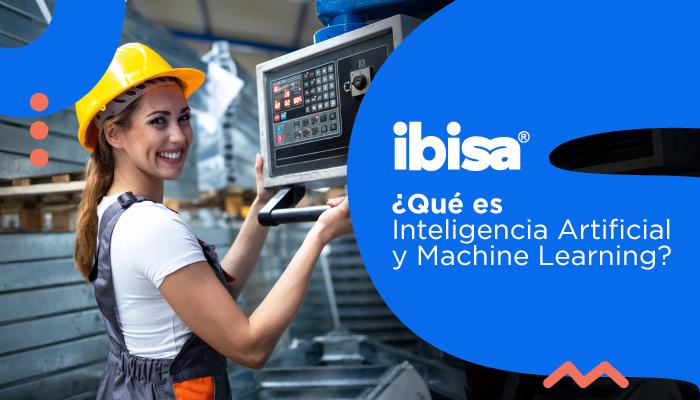 Ingeniera jóven revisando la plataforma de industria 4.0 ibisa
